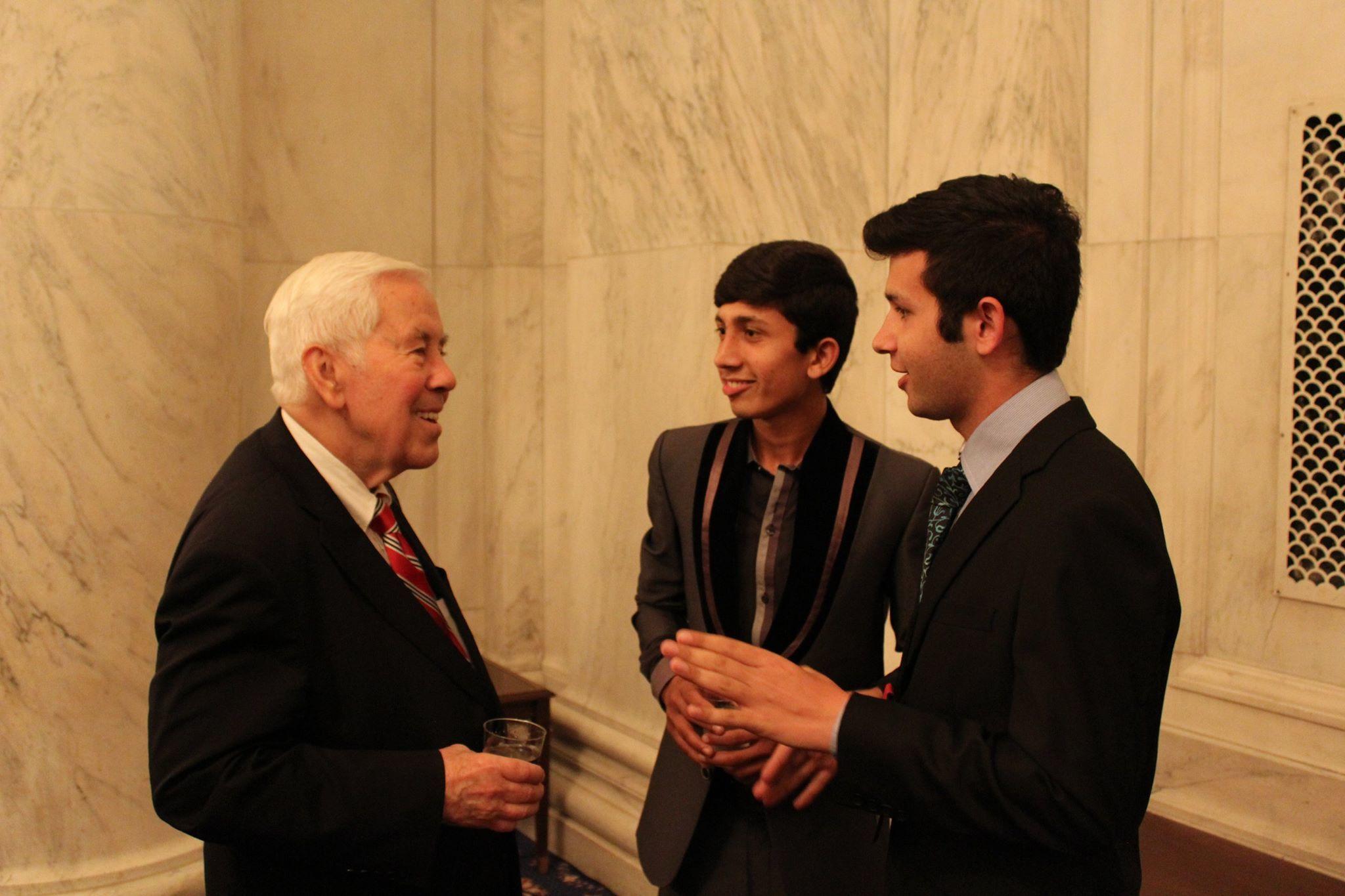 Senator Lugar meeting YES students in Washington, D.C.